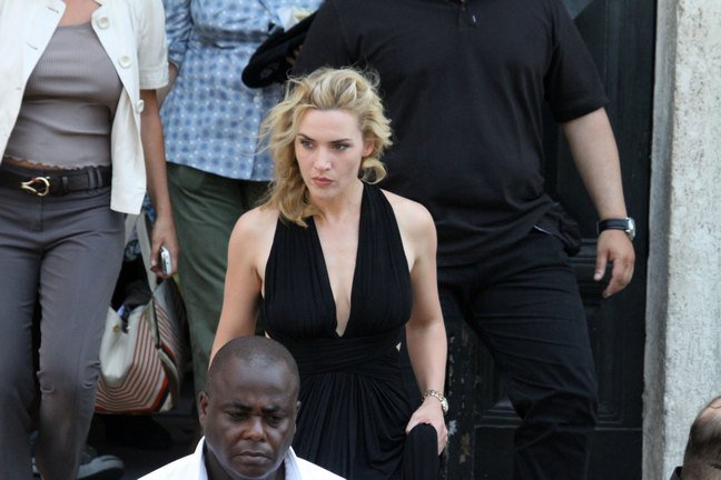 Kate Winslet, black dress,