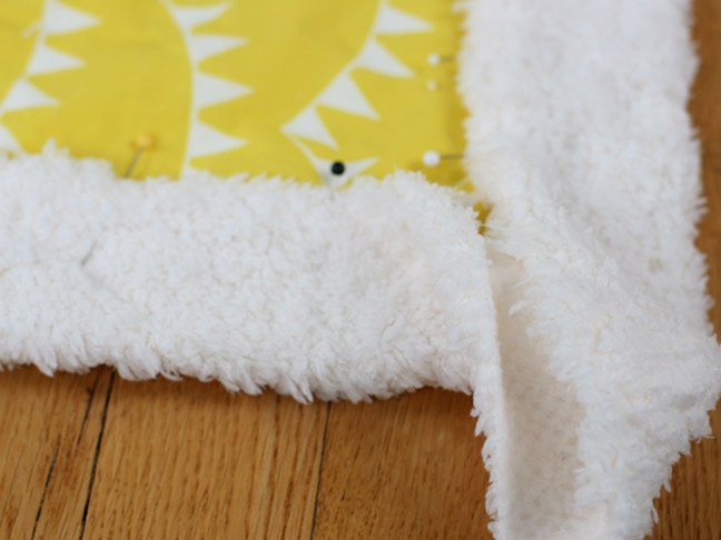 How to Sew a Simple Baby Blanket (Even if You\'re a Sewing Novice)