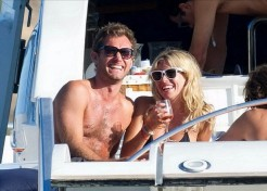 Jude Law And Sienna Miller Enjoy Ibiza