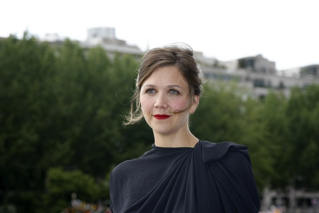 Maggie Gyllenhaal, black dress, upswept hair