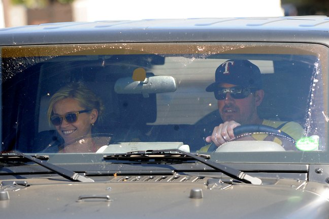 Reese Witherspoon, Jim Toth, Jeep, sunglasses