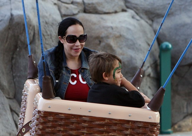Nadya Suleman, denim jacket, red tshirt, sunglasses