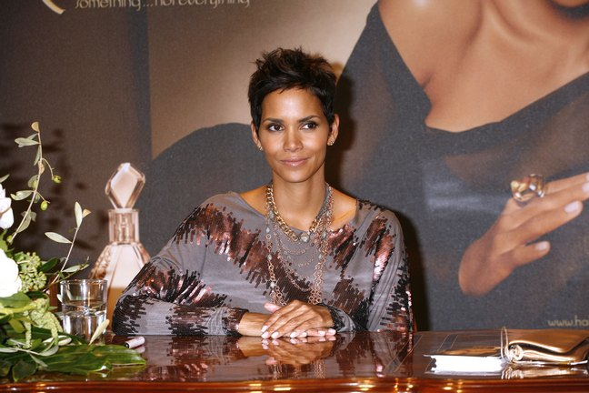 Halle Berry, multi tone blouse, bronze and gray top, fragrance launch, Germany