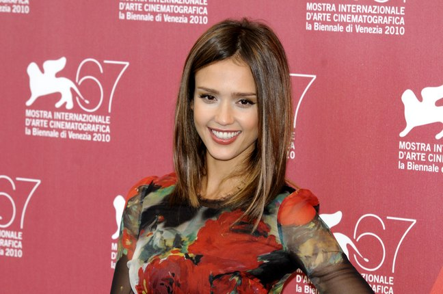 Jessica Alba, red carpet, print dress, silk dress