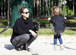 Celebrity Pictures: Jessica Alba Has A Family Day At The Park