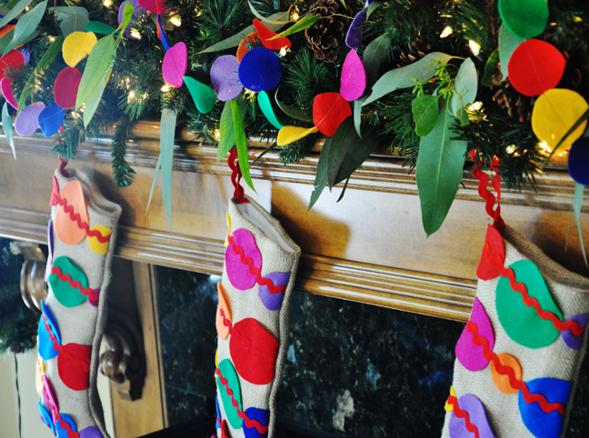 DIY: Polka Dot Holiday Garland