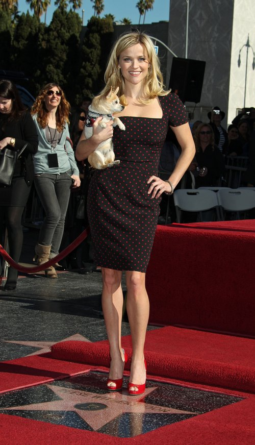 Reese Witherspoon, black and red polka dot dress, red high heels