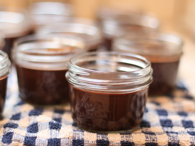 DIY Holiday: Peppermint Hot Fudge Neighbor Gifts