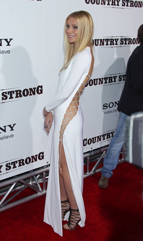Gwyneth Paltrow white revealing dress, white string dress, white gown open slits