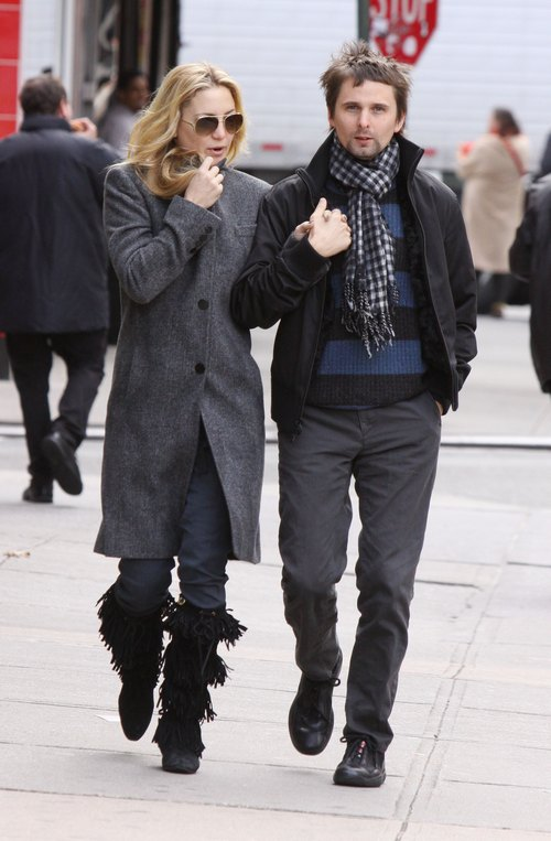 Kate Hudson, grey wool coat, black fringe boots, matthew bellamy, scarf, black jacket