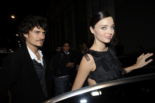 Miranda Kerr black dress, Orlando Bloom