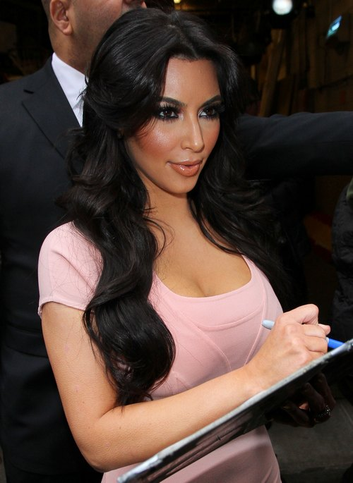 Kim Kardashian, light pink form fitting dress