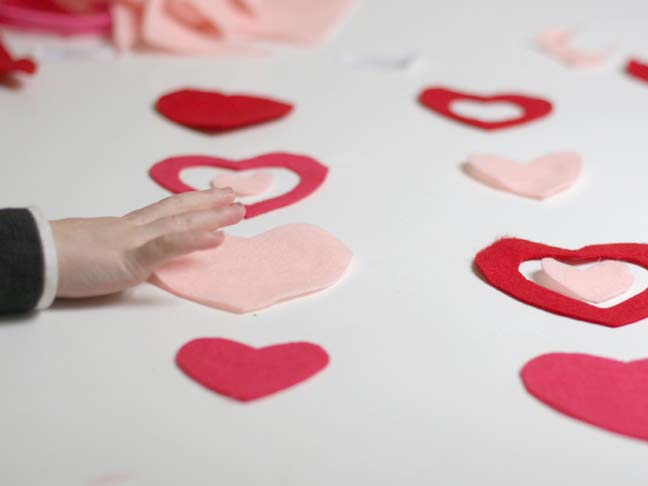 VALENTINES HEARTS CRAFT