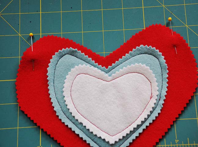 aab23b768e DIY  Heart Gift Bag