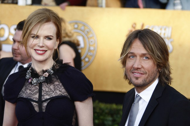 Keith Urban suit, Nicole Kidman black dress, Nicole Kidman SAG dress