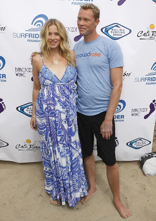 Christina Applegate, blue and white sundress, blue maternity dress