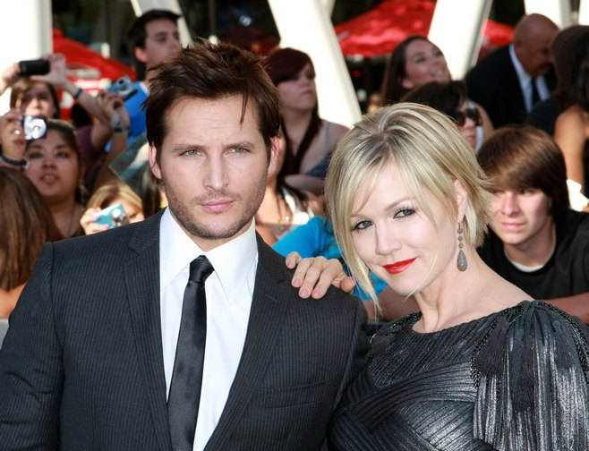 Jennie Garth gray dress, silver dress, twilight eclipse premiere, Peter Facinelli