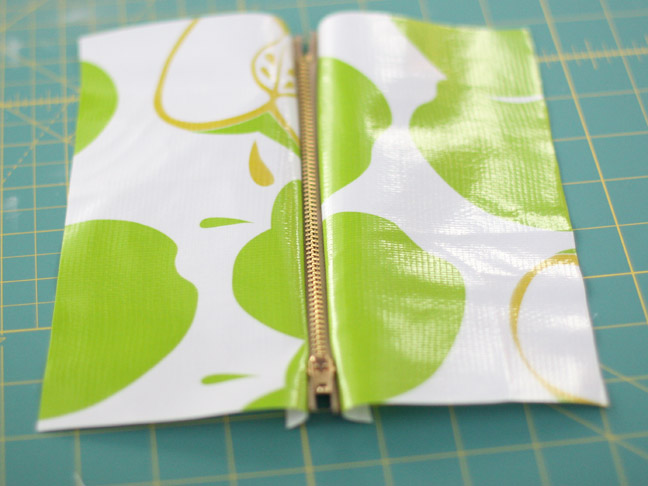 DIY Oilcloth Zippered Pencil Case