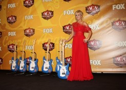 Brad Paisley's Son Meets His Celebrity Crush Carrie Underwood
