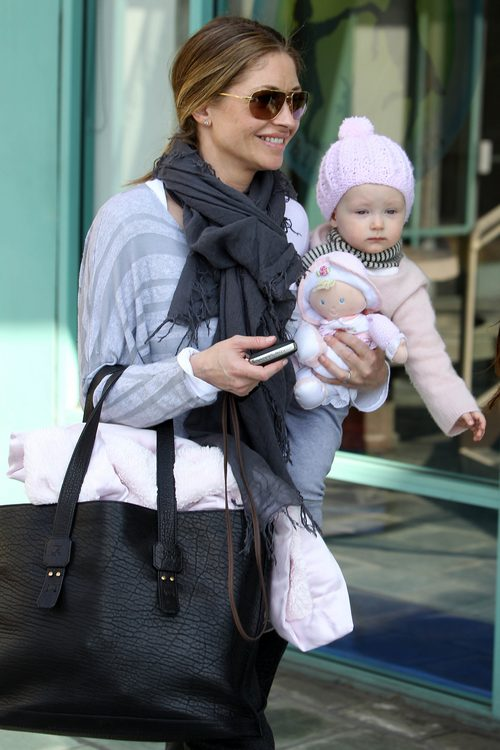 Rebecca Gayheart, gray scarf, black bag, sunglasses