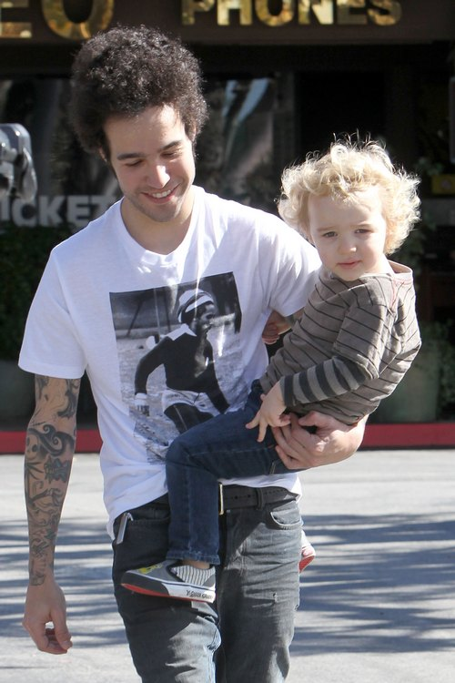 Pete Wentz, white t-shirt