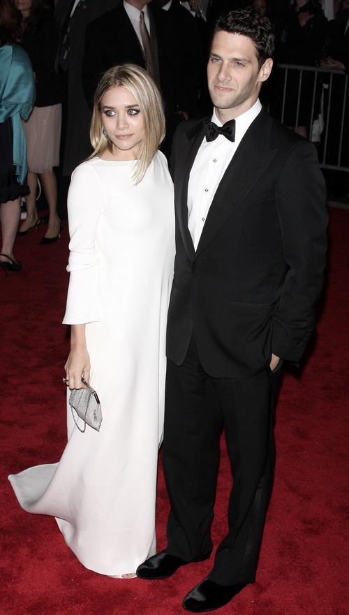Ashley Olsen white dress, Justin Bartha tuxedo