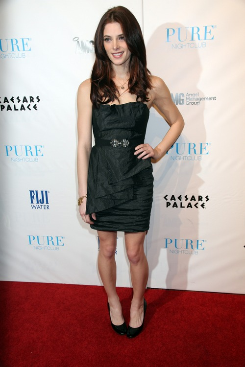 Ashley Greene, black dress, belt