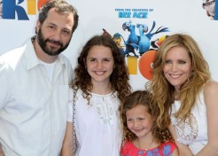 "Leslie Mann Chats With Momtastic About Parenting And Her New Movie ""RIO"""