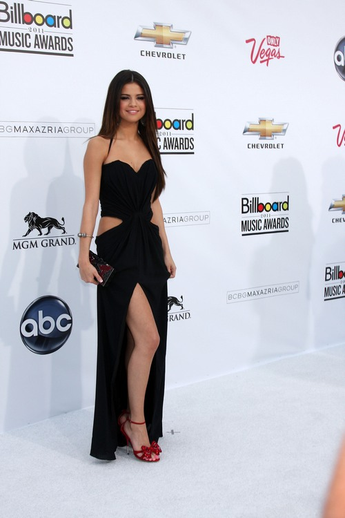 Selena Gomez, black dress