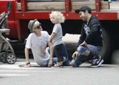 Pete Wentz And Ashlee Simpson Spend Memorial Day At The Farmers Market