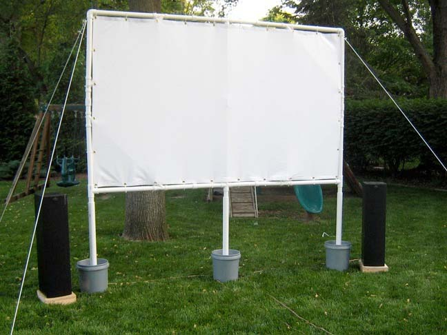 While Inflatable Screens Designed For Outdoor Use From Open Air Cinema Start At 599 David Banks Geekdad Put Together An Excellent Guide Building A