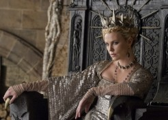 'Snow White And The Huntsman': Hot New Trailer And Photo Stills!
