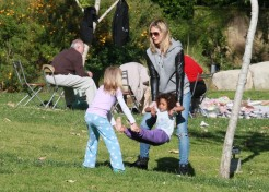 Photo Gallery: Celebrity Parents & Kids Out And About 4/16