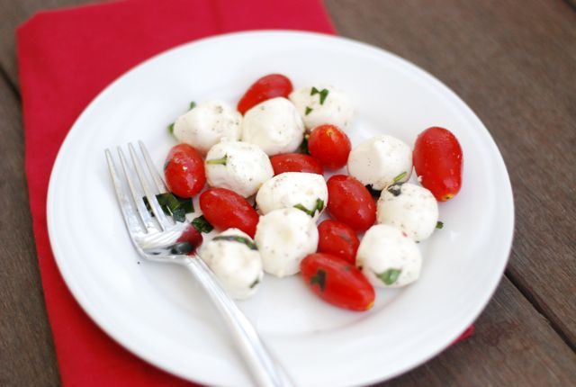 file_172703_0_110718-Peppery-Caprese-Salad