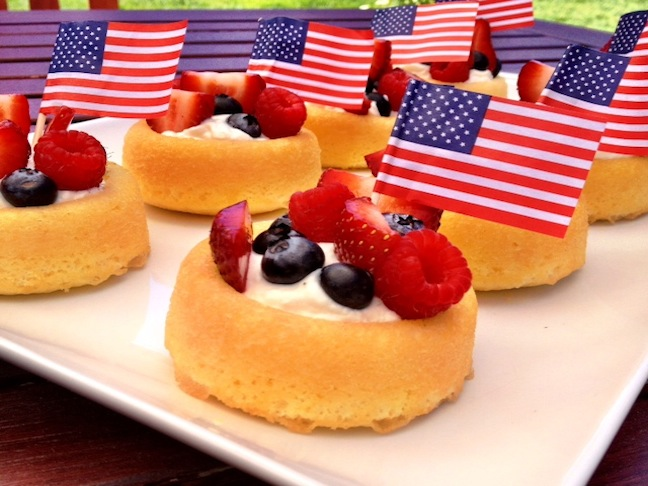 Shortcakes with berries