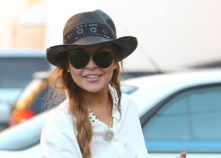 Lindsay Lohan Is Off The Hook In Jewelry Theft; Still Facing Other Issues
