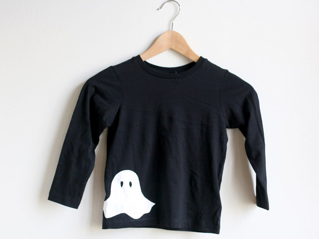 Stenciled Ghost T-Shirt DIY