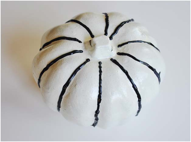 DIY Halloween Craft: Puffy Paint Pumpkin Step 2