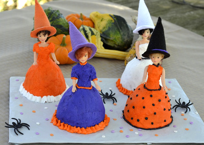 Good Witch Mini-Cakes Recipe