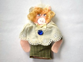 Miss Piggy Ornament Craft