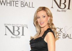 Holly Madison Welcomes A Baby Girl