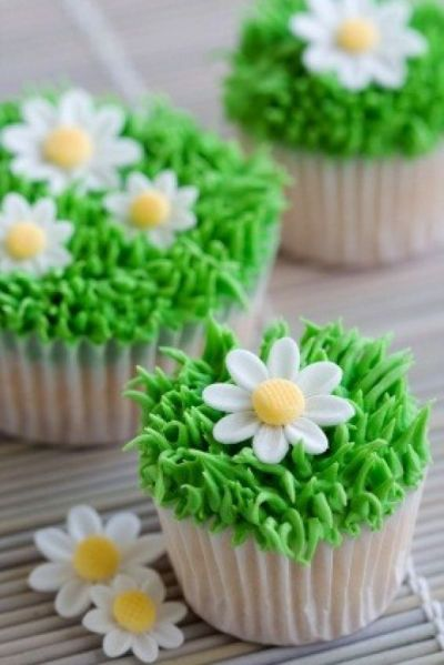 Daisy Easter Cupcakes