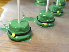 Leprechaun Cupcake Pops Recipe - Step 9