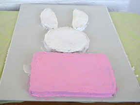 Easter Bunny Cake - Step 12