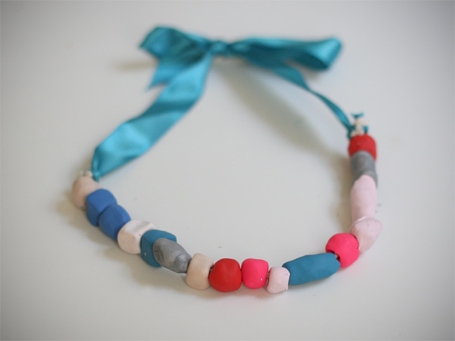 Kids craft clay ribbon necklace for Necklace crafts for kids