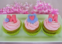 M-O-M Mother's Day Cupcakes Recipe