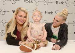 Jessica Simpson Gives Birth To A Baby Boy