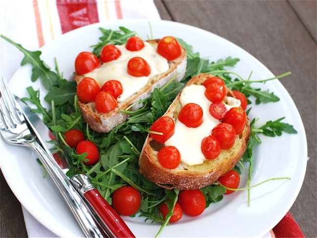 tomato and fontina bruschetta