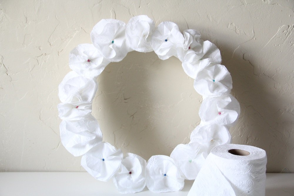 Toilet Tissue Wreath Craft - Step 6