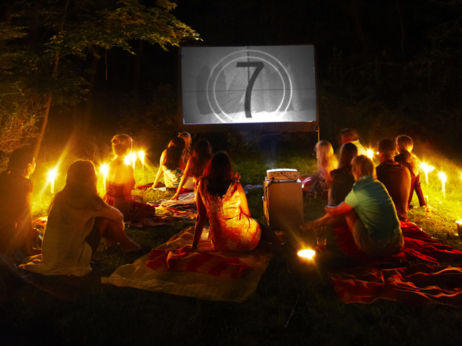 backyard-outdoor-theater